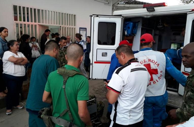 50 soldados heridos por caída de rayo en Colombia