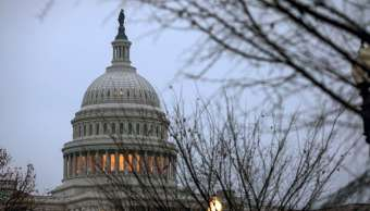 Republicanos cambian retórica fiscal, se acerca batalla presupuestal en EU