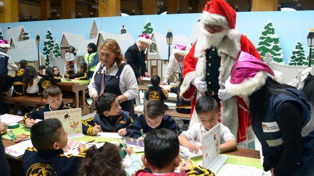 Santa Claus se despide del Palacio de los Deseos