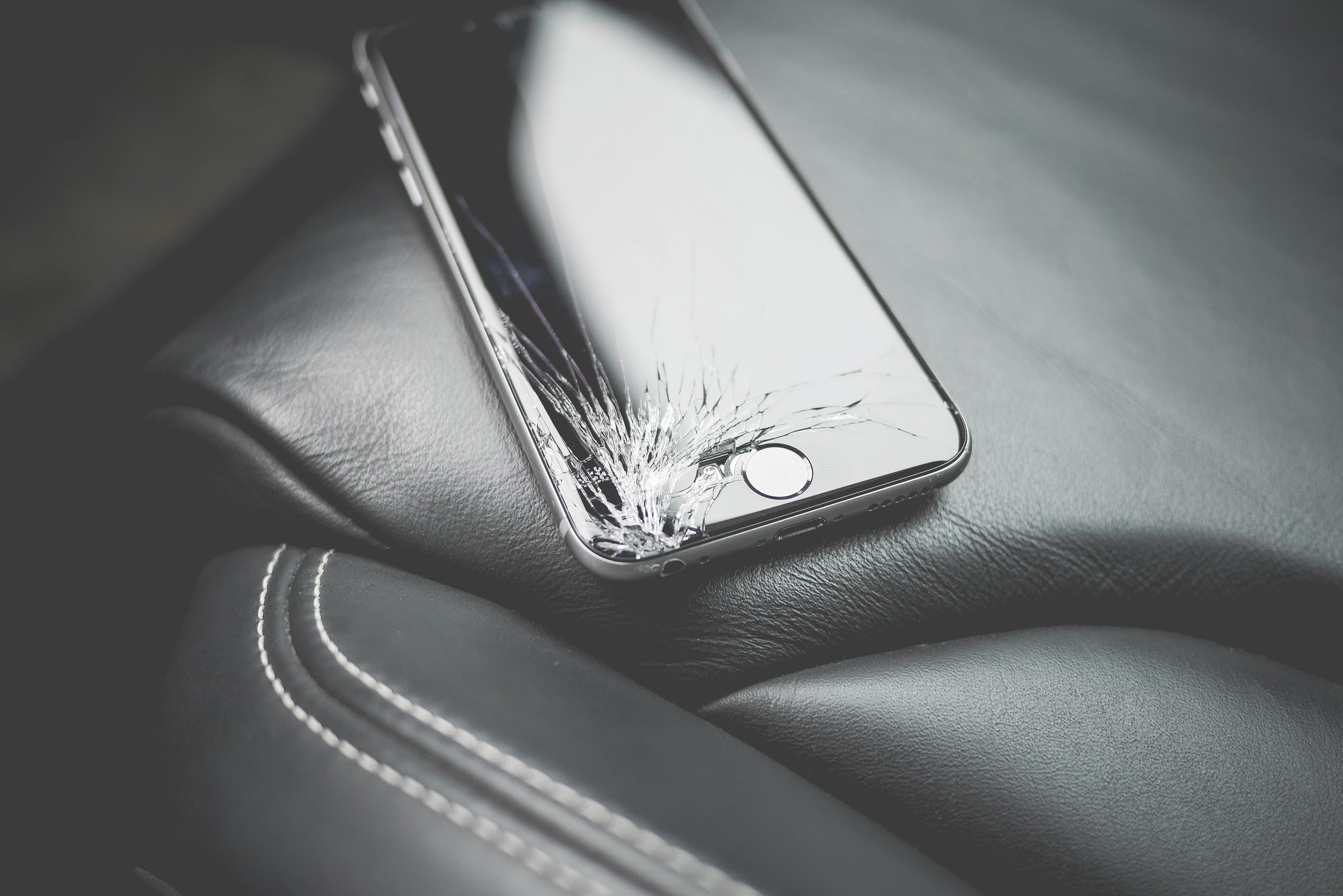 ¿Por qué los celulares se ponen lentos luego de año y medio?