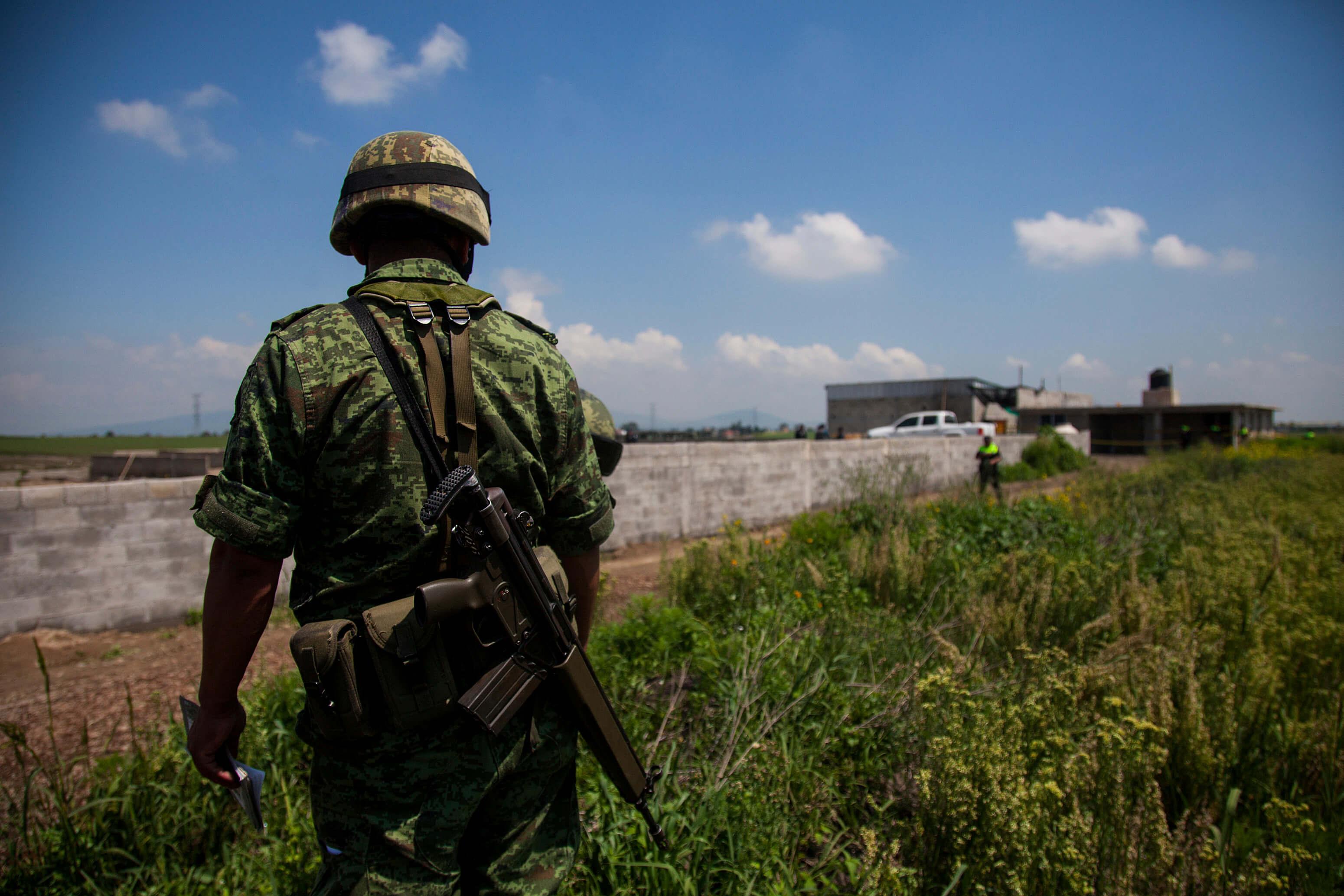 https://i0.wp.com/noticieros.televisa.com/wp-content/uploads/2017/12/soldado-del-ejercito-mexicano.jpg