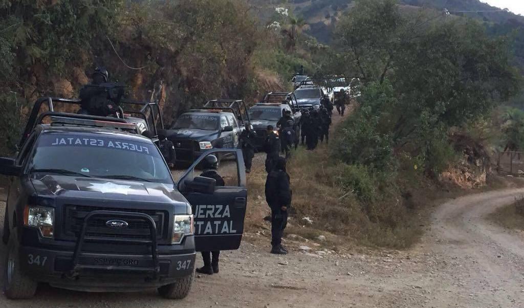 Resultado de imagen para Grupo armado irrumpe en la comunidad de Polixtepec, Guerrero
