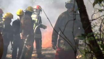Toma clandestina provoca fuerte explosión e incendio en Huitzilac, Morelos