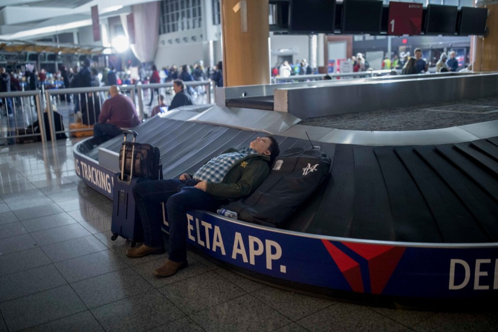 Aeropuerto de Atlanta restablece el suministro eléctrico