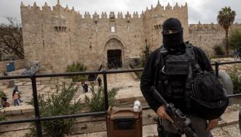 Un policía israelí en el casco viejo de Jerusalén