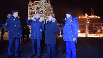 Putin inaugura planta de licuefacción de gas en el Ártico
