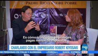Charlando con el empresario Robert Kiyosaki