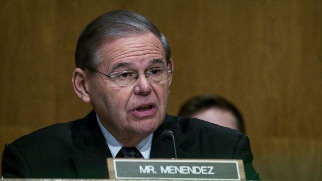 Justicia de EU renuncia a nuevo juicio contra senador Bob Menéndez
