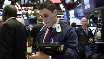 Wall Street cierra baja y Dow Jones pierde 0 37 ciento