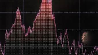Bolsa de Tokio extiende racha perdedora; Nikkei baja