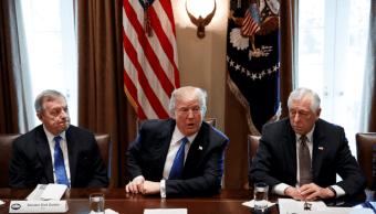 Trump se refirió a varios países como agujeros de mierda