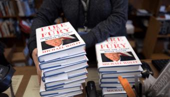 Asesores de Trump le ven como un nino, según libro