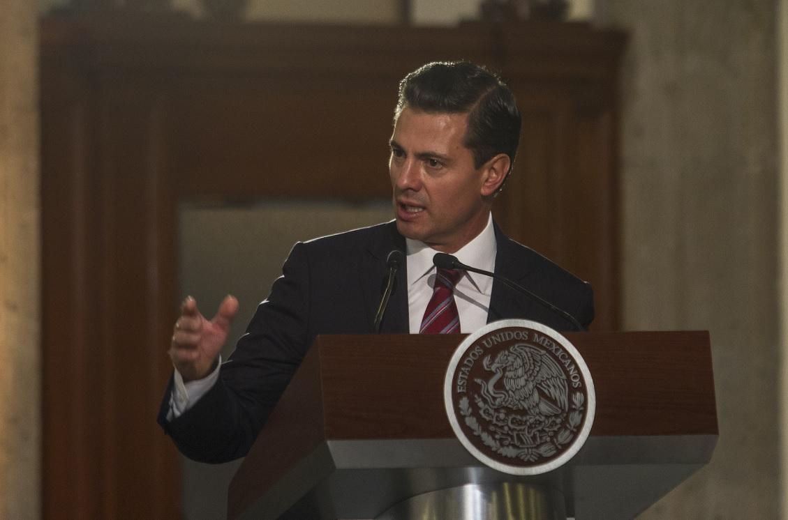 Presenta Peña Nieto programa de acta de nacimiento online