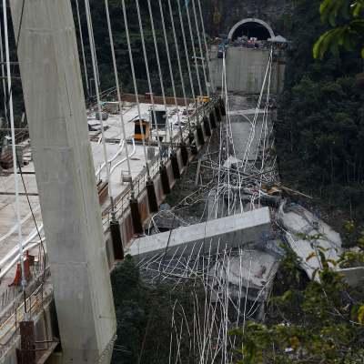 Fallo de diseño causó derrumbe de puente en Colombia