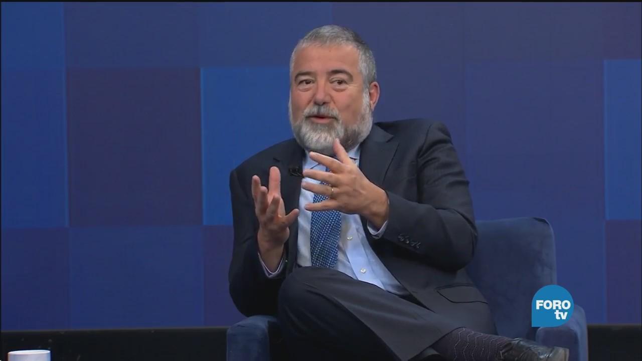 Genaro Lozano entrevista a Carlos Heredia