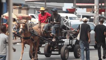 Gente en Johannesburgo, Sudáfrica. (AP, archivo)