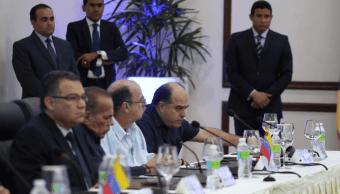 Gobierno y oposición venezolanos mantienen charlas en República Dominicana