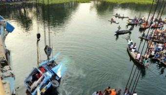 Al menos 40 muertos al caer autobús a un río en India
