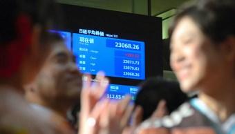 bolsa de tokio supera los 23 mil puntos