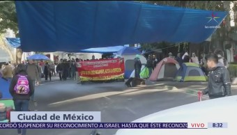 Instalan campamento frente a la Sagarpa, CDMX