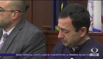 Larry Nassar recibe sentencia por abusar sexualmente de 156 niñas y mujeres