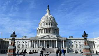 Legisladores estadounidenses enfrascados en la batalla por el cierre gubernamental