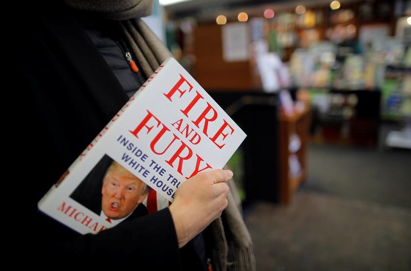 Autor de libro sobre Trump dice que hará caer al presidente