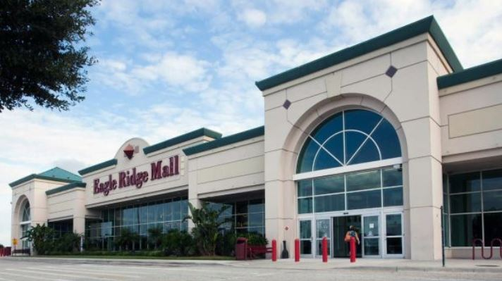 Eagle Ridge Mall de Lake Walles, evacuado tras explosiones — Florida