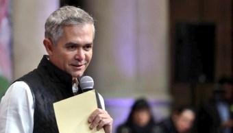 mancera sostiene que no subira tarifa metro resto su administracion