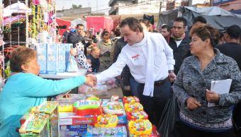 Mikel Arriola visita el Mercado de Sonora