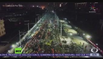 Mil 500 trabajadores construyen estación de tren en China en 9 horas