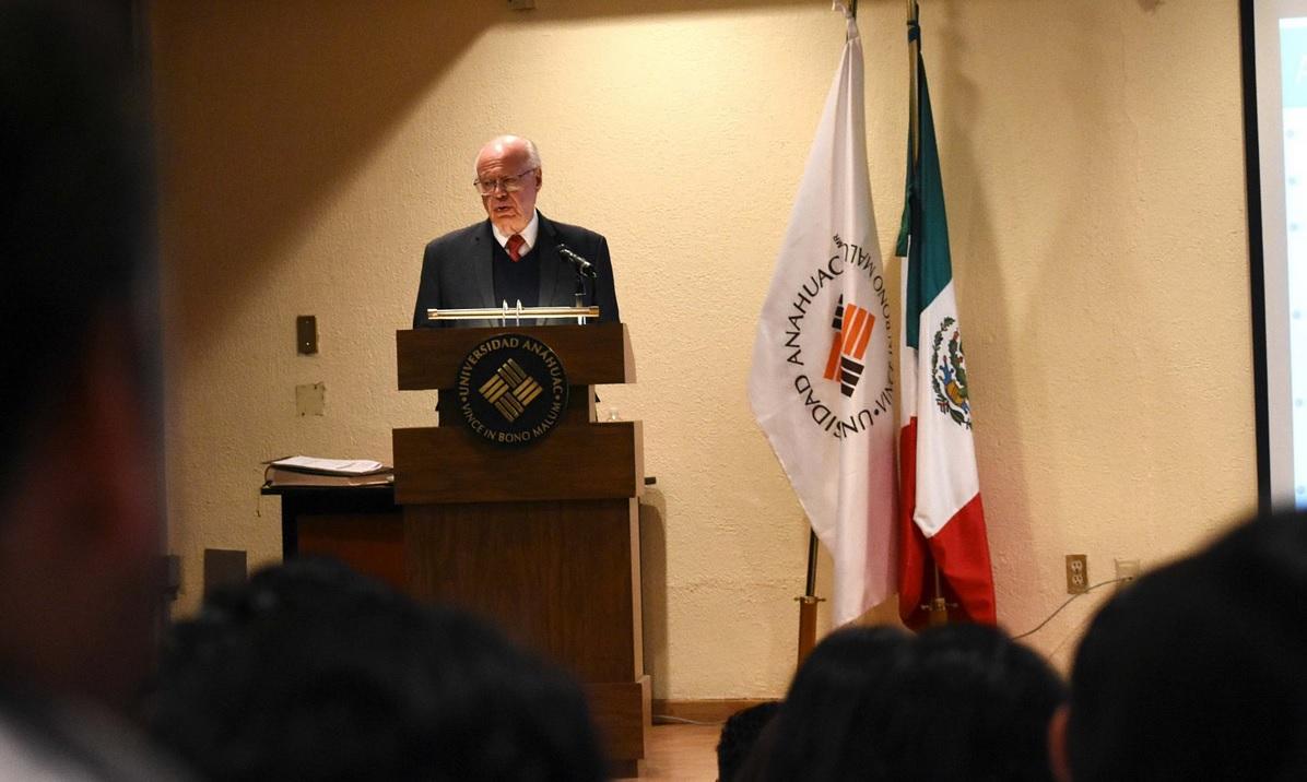 Irritación ocular de Peña Nieto y secretarios, sin consecuencias: José Narro