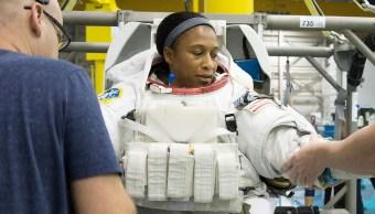 NASA remplaza último momento astronauta afroamericana