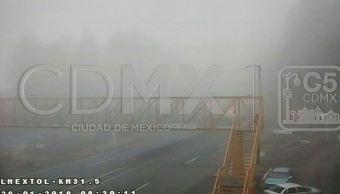 Banco de niebla afecta visibilidad en la carretera México-Toluca