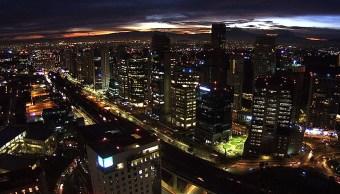 Panorámica de la Ciudad de México; termómetro marca 2 grados centígrados