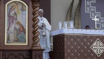 """Papa Francisco recuerda las otras """"tormentas"""" como la violencia en Perú"""