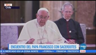 Papa Francisco Reúne Sacerdotes Chile