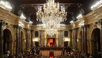 parlamento catalan aplaza debate investidura puigdemont