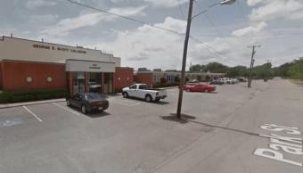 Policía de Texas acude a escuela secundaria por tiroteo
