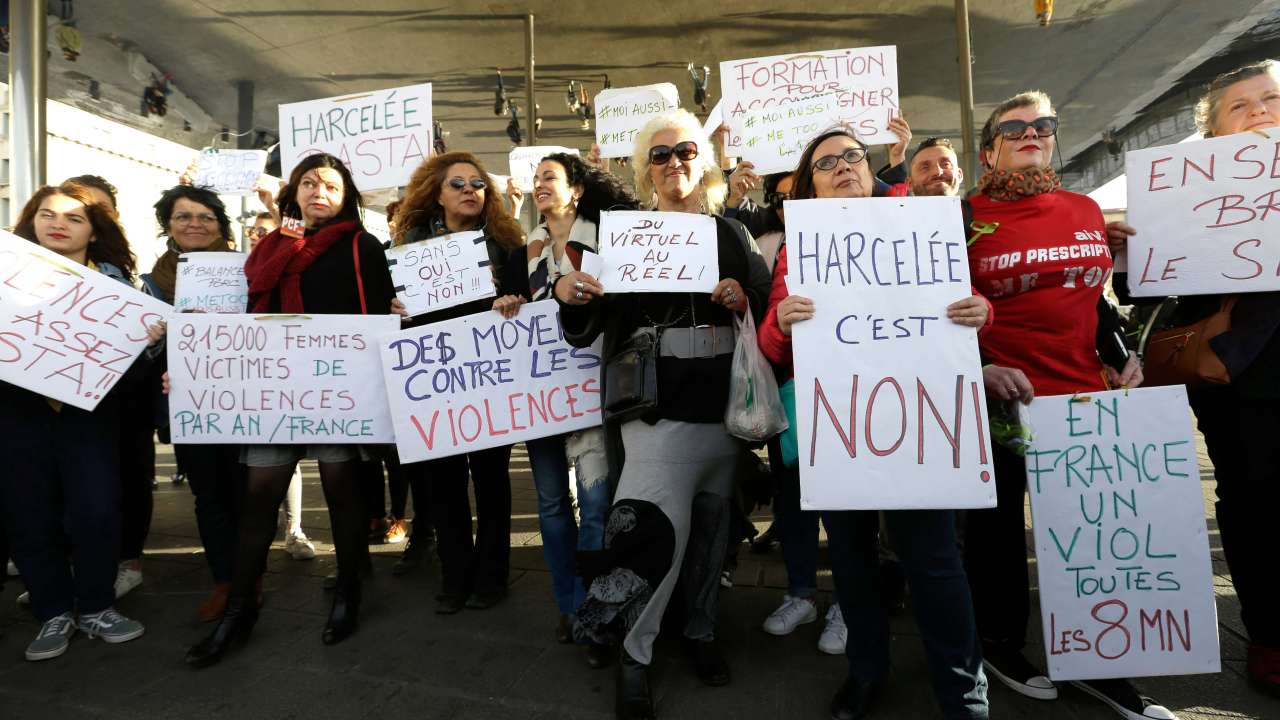 El movimiento MeToo enfrenta a las mujeres en Francia