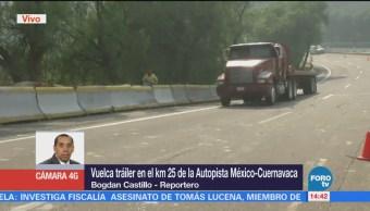 Personal de Pemex controlan fuga de toma clandestina de combustible originada por huachicoleros en Cuernavaca, Morelos