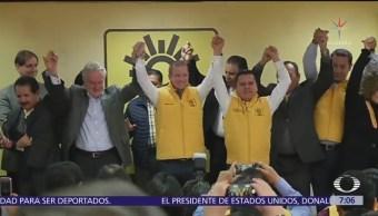 Ricardo Anaya se pinta de amarillo y habla de corrupción