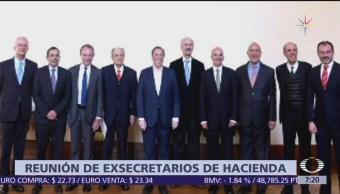 Se reúnen exsecretarios de Hacienda en Palacio Nacional