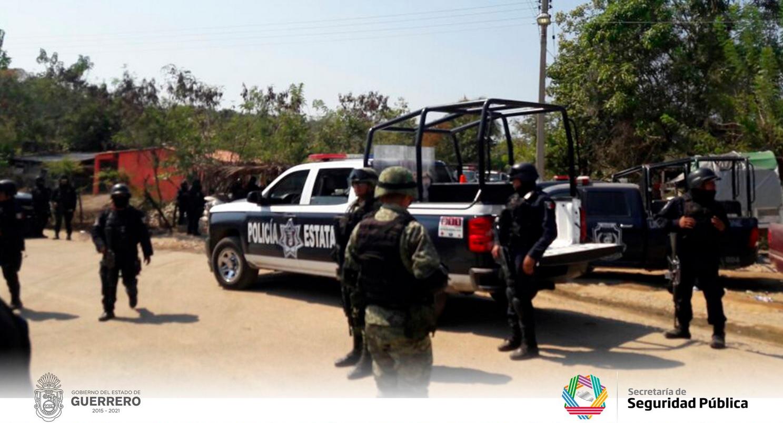 Hallan degollados a 4 en Petatlán; tres eran familiares
