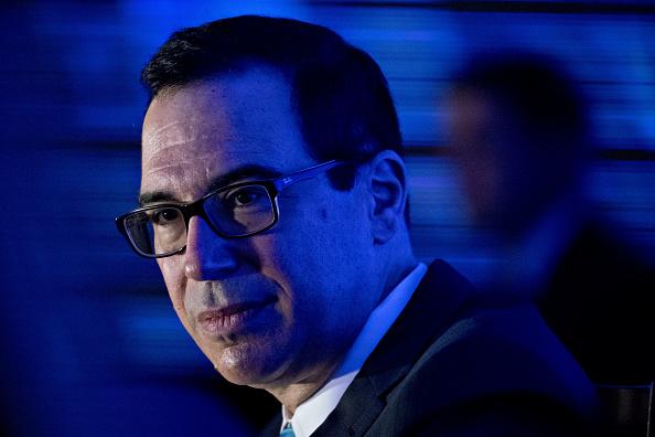 Llega Trump a Davos en medio de críticas al proteccionismo