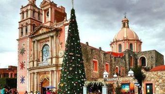 Turistas disfrutan de la belleza de Tequisquiapan en celebración de año nuevo