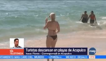 Turistas Aprovechan Clima Templado Acapulco