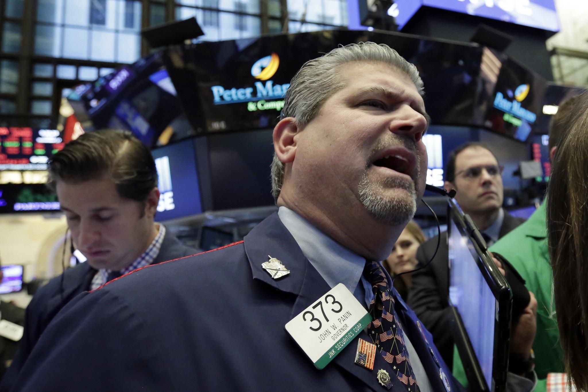 Wall Street cierra con máximos históricos, Dow Jones supera las 25000 unidades