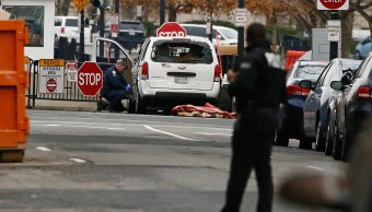 Vehículo se estrella contra barrera de seguridad en la Casa Blanca