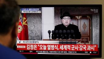 kim jong preside desfile militar aniversario ejercito